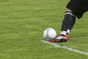 total knee replacement for pro footballers
