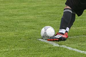 total knee replacement for footballers